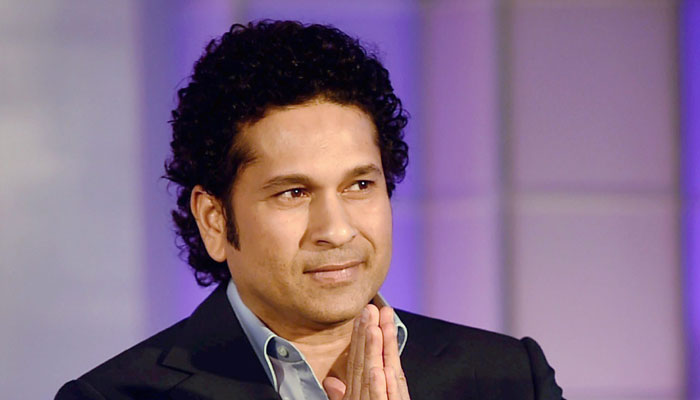 http://customercarecontactnumber.in/wp-content/uploads/2015/12/397923-sachin-tendulkar-event700.jpg